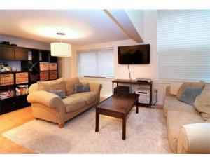 66 N - Unit 4 Living Room